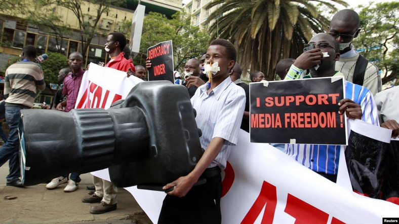 Kenyan Journalists campaigning for Media freedoms at a past event. (VOA)