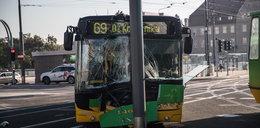 Autobus znowu uderzył w słup. Feralne rondo