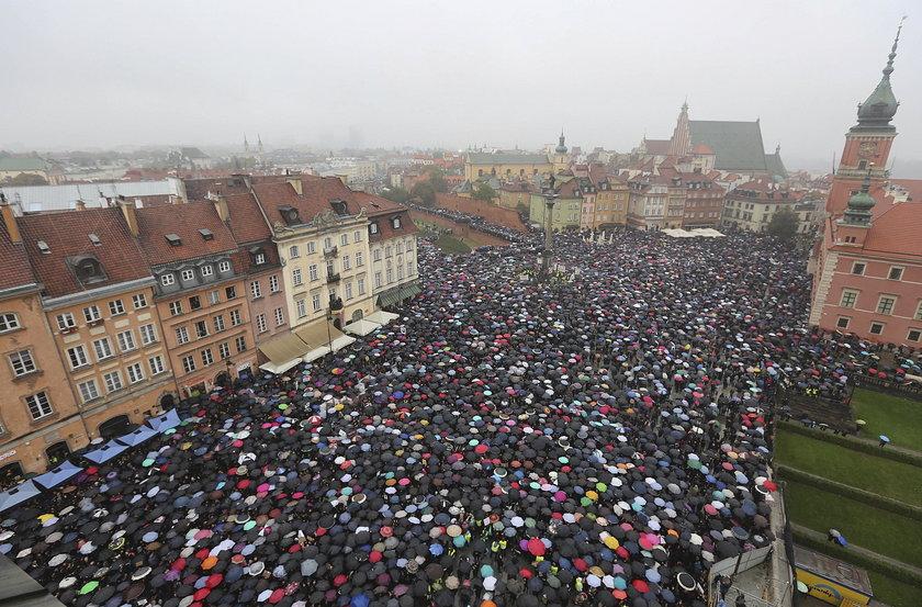 Czarny protest odbywał się w całej Polsce