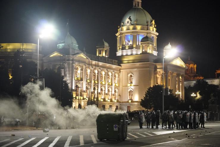 protesti, Skupština