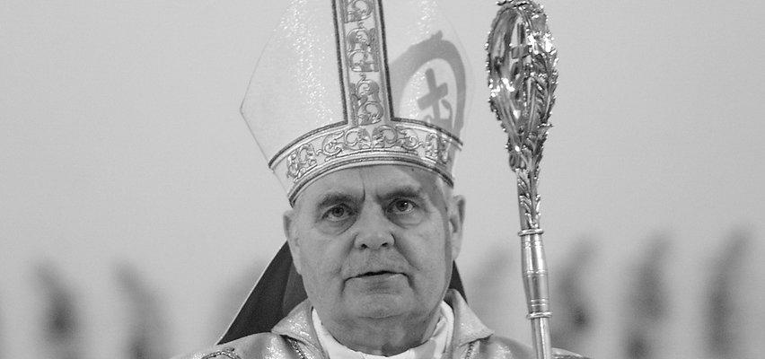 Biskup archidiecezji warszawskiej Marian Duś nie żyje