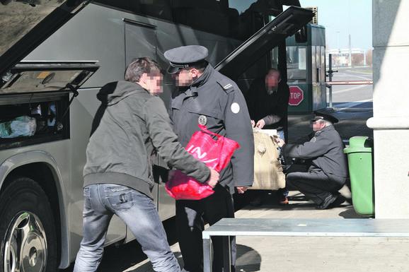 Švercovana roba često bude nađena u koferima koji ne pripadaju putnicima