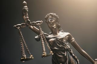 Tożsamość konstytucyjna w grze o niezależność sądownictwa [OPINIA]