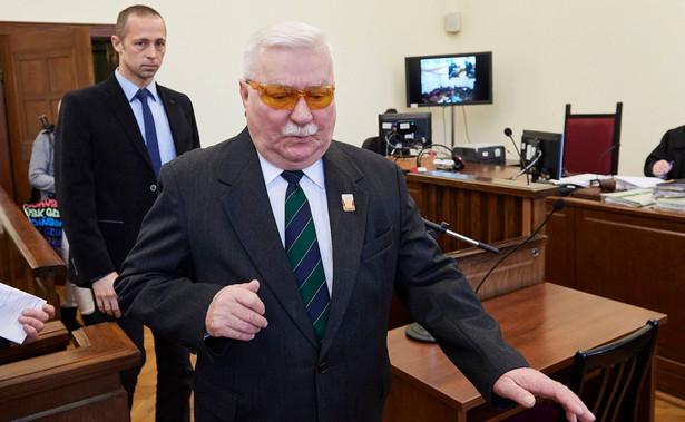 """Wałęsa pytany, czy Trybunał Sprawiedliwości Unii Europejskiej powinien ukarać Polskę za naruszenie praworządności odpowiedział, że """"Polskę nie, ale rządzących tak""""."""