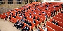 Sejm pożyczy salę od rządu?
