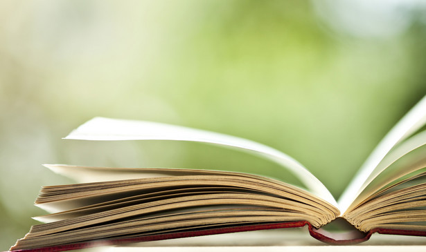 Nagroda Bookera (ang. The Man Booker Prize for Fiction) to najbardziej prestiżowe wyróżnienie literackie w Wielkiej Brytanii przyznawane od 1969 r. za najlepszą powieść angielskojęzyczną opublikowaną w minionym roku.