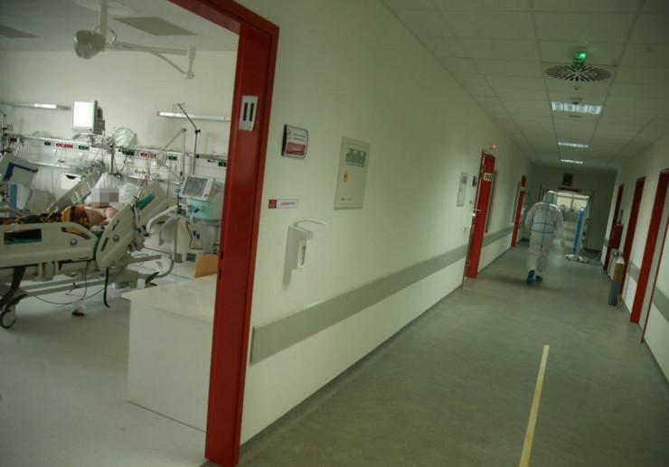 korona virus - bolnica - lečenje - medicinski radnici - ukc-kovid odeljenje-20
