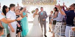 Chciała dobrze się bawić na swoim weselu. Złamała obie stopy