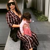 Od slike do slike SVE MRŠAVIJA: Ana neprepoznatljiva, sa ćerkicom krenula u pozorište i baš ume da se SKOCKA