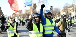 """Protestujący odwołują kolejkę. """"Żółte kamizelki"""" paraliżują Ligue 1"""