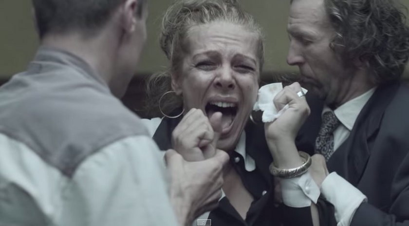 Kadr z teledysk piosenki Hera Koka Hasz LSD