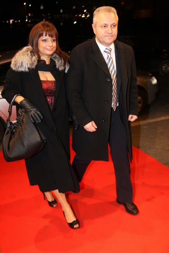 Ministar ekonomije Mlađan Dinkić u društvu supruge Tatjane