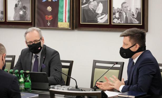 Wczoraj na posiedzeniu senackiej Komisji Zdrowia ministrowie Adam Niedzielski i Michał Dworczyk informowali o postępach w realizacji Narodowego Programu Szczepień