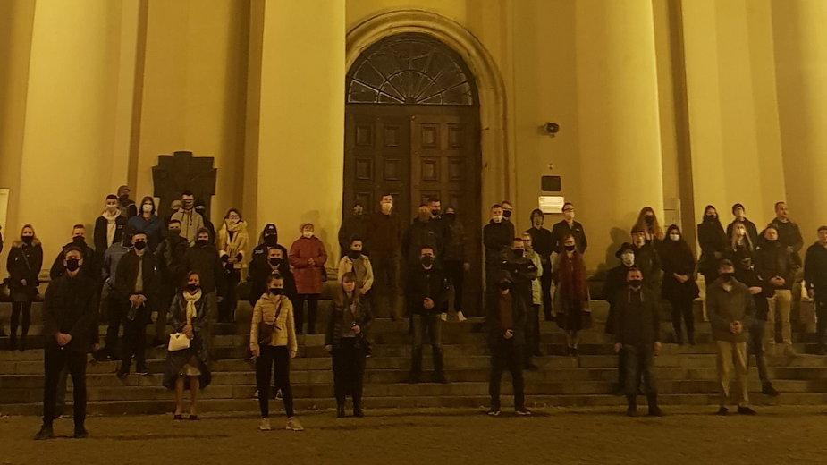 """Forum Młodych PiS ogłosiło zadanie """"obrony miejsc świętych"""""""
