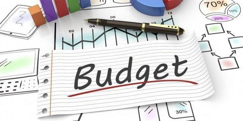 Forget it, you don't need a spreadsheet to make a simple personal budget.
