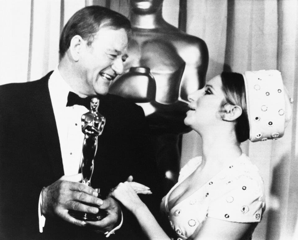"""John Wayne - ceremonia w 1970 roku, Oscar za pierwszoplanową rolę w """"Prawdziwe męstwo"""""""