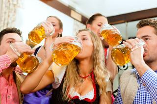 Piwa ciemne i smakowe coraz większą konkurencją dla jasnych