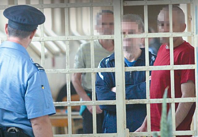 Pedeset evra po isporuci dobijaju čuvari koji unose drogu u zatvor i daju je korisnicima