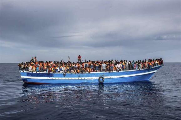 Kod obala Italije spaseno više od 50 migranata