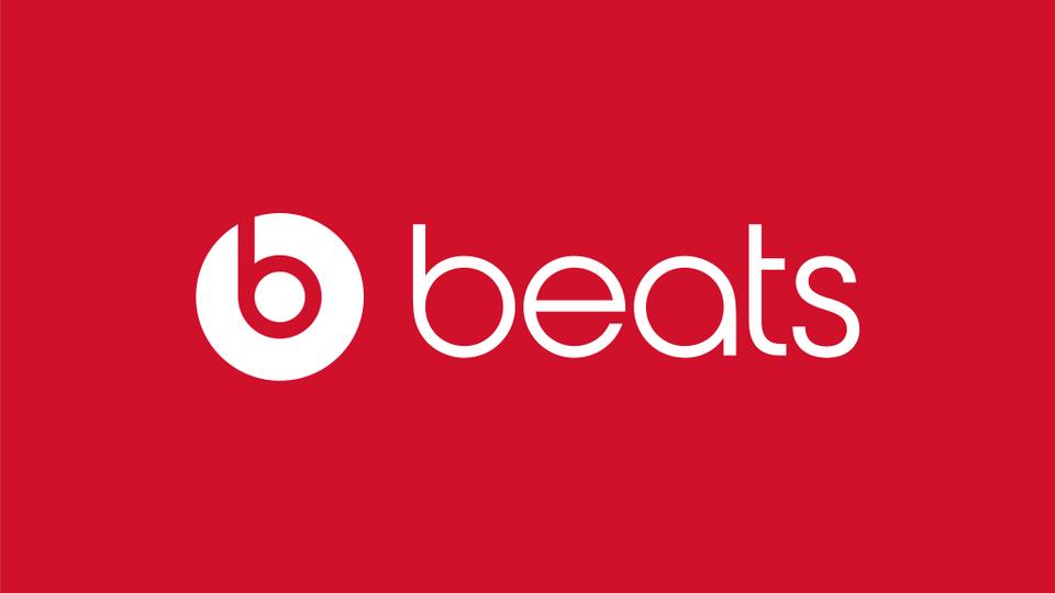 Beats – Element graficzny w logo wygląda jak głowa z nałożonymi słuchawkami.