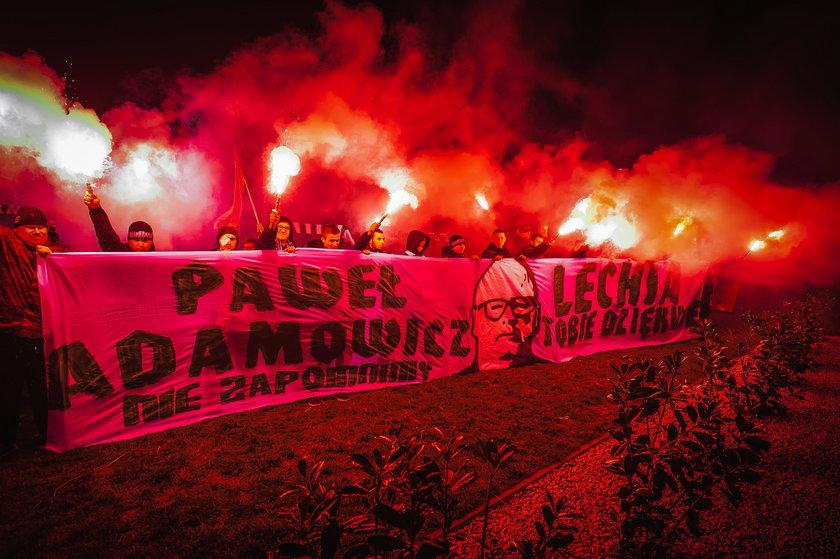 Kibice Lechii na Ołowiance oddają hołd zamordowanemu prezydentowi