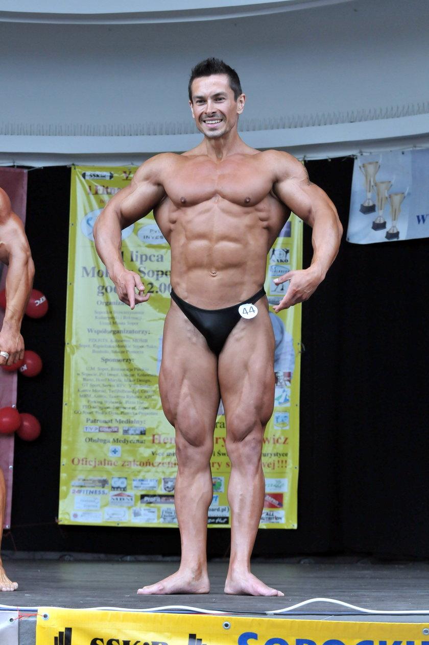 Marcin Łopucki na zawodach fitness