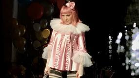 Madonna w dziwnej kreacji przytula byłego męża na swoim koncercie