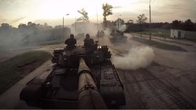 Widowiskowe ćwiczenia przed defiladą z okazji święta Wojska Polskiego