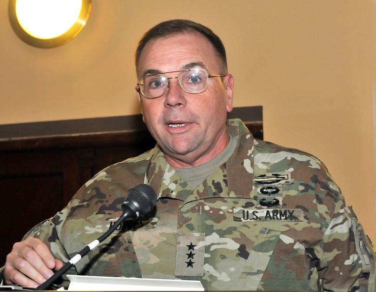 General Hodziz govori na niskom univerzitetom K Kamenov preview
