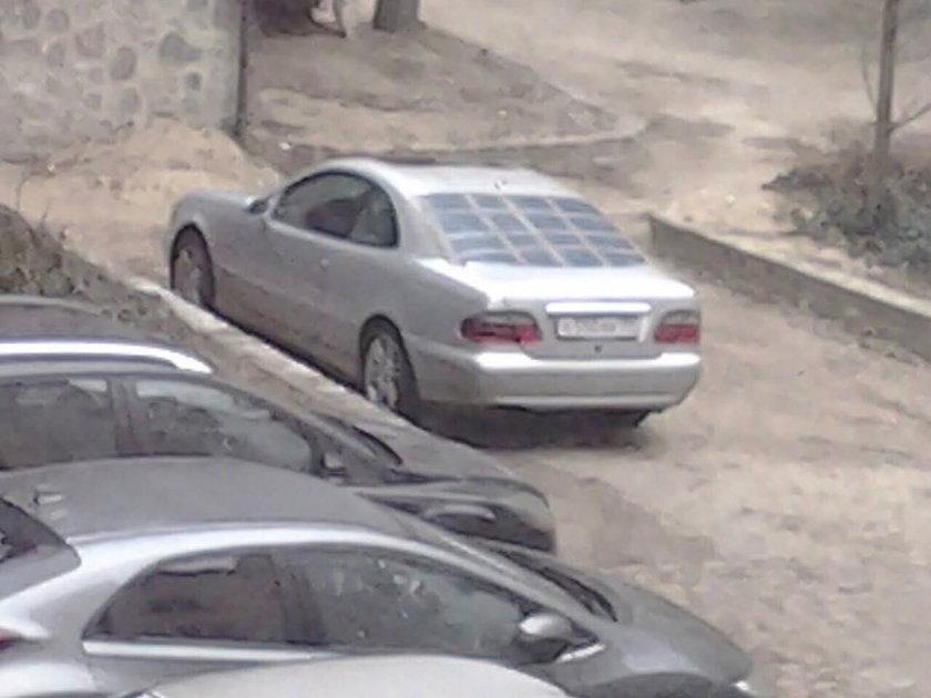 zniszczone auto