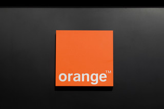 Orange: przychody z usług telefonii stacjonarnej spadły w 2013 r.