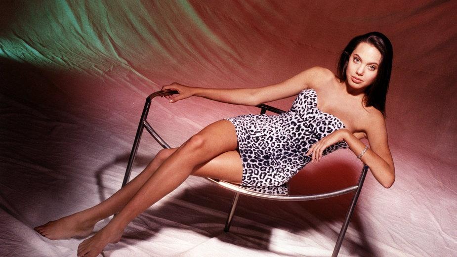 Angelina Jolie w 1991 r.