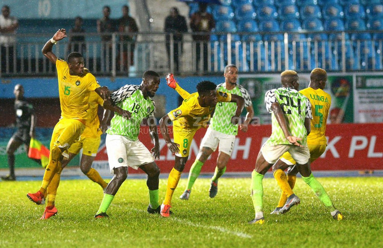 The Super Eagles of Nigeria played a goalless draw with Zimbabwe on Saturday (Twitter/John Ogu)