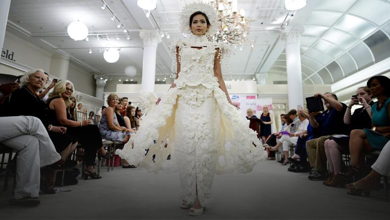 USA FASHION (11th Annual Toilet Paper Wedding Dress Contest)