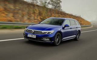 Volkswagen Passat Variant 2.0 TDI 4Motion - topowy diesel mocy ma aż nadto