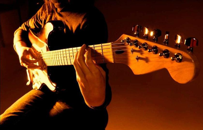 Gitarzystę zabiła gitara