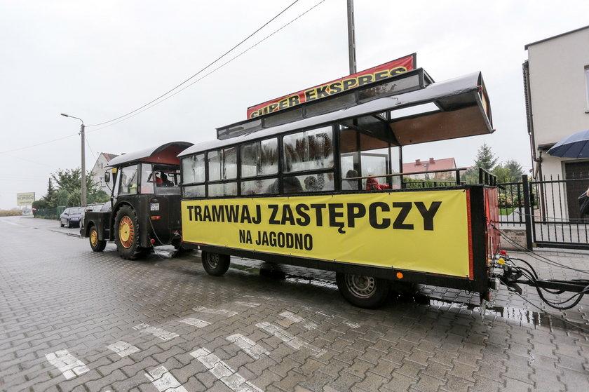 Mieszkańcy Jagodna protestują. Chcieliby aby na ich osiedle również dojeżdżał tramwaj