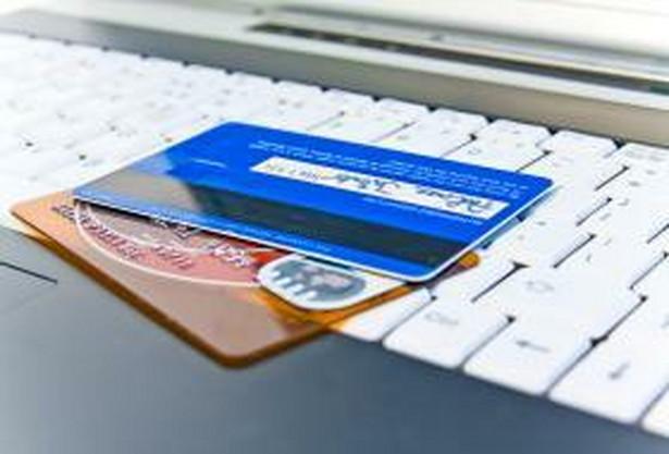 Niepostrzeżenie na polski rynek wszedł jeden z największych na świecie wydawców kart – amerykański Discover. Jest obecnie właścicielem marki Diners Club.