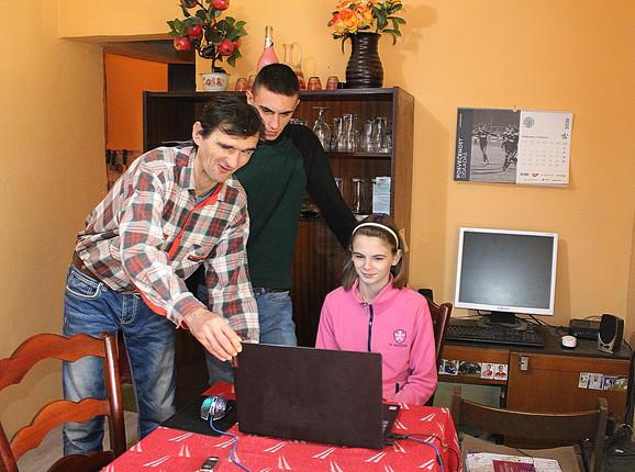 Petar, Igor i Marija Savov