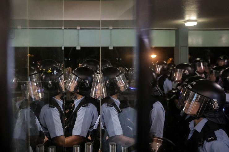 Kina policija EPA VIVEK PRAKASH