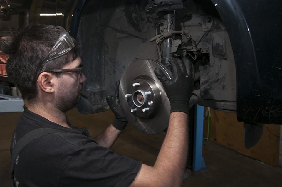 Самостоятельная замена тормозных колодок и дисков