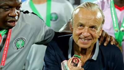 Gernot Rohr to remain as Super Eagles coach after agreeing on a new contract with the NFF