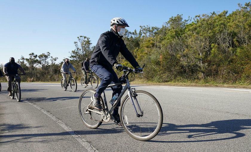 Joe Biden na rowerze