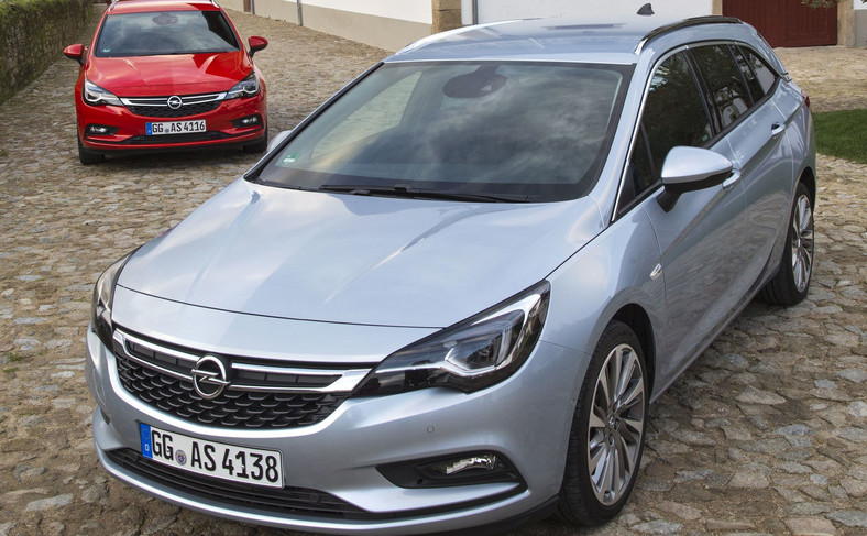 Opel astra sports tourer - kombi powtaje w Ellesmere Port