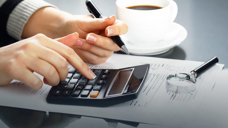 Doradca finansowy nie pomoże z kredytem za darmo