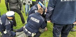 Bitwa mieszkańców z policją. Poszarpali się o śmieci
