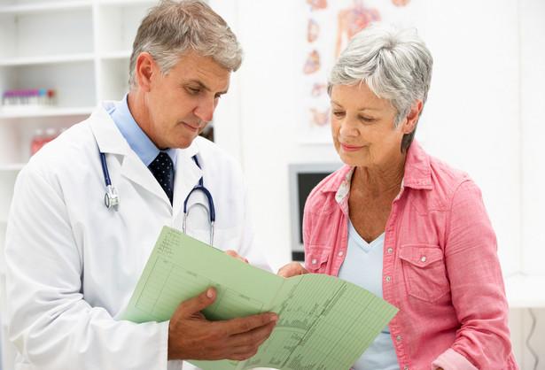 Minister zdrowia Konstanty Radziwiłł powiedział, że pierwszego września wejdzie w życie program darmowych leków dla seniorów.