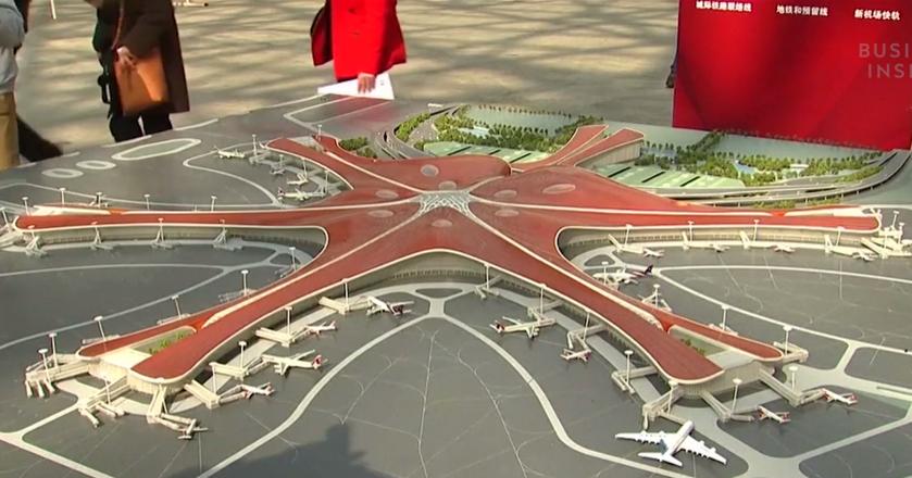 BI: Chiny budują w Pekinie jedno z największych lotnisk na świecie