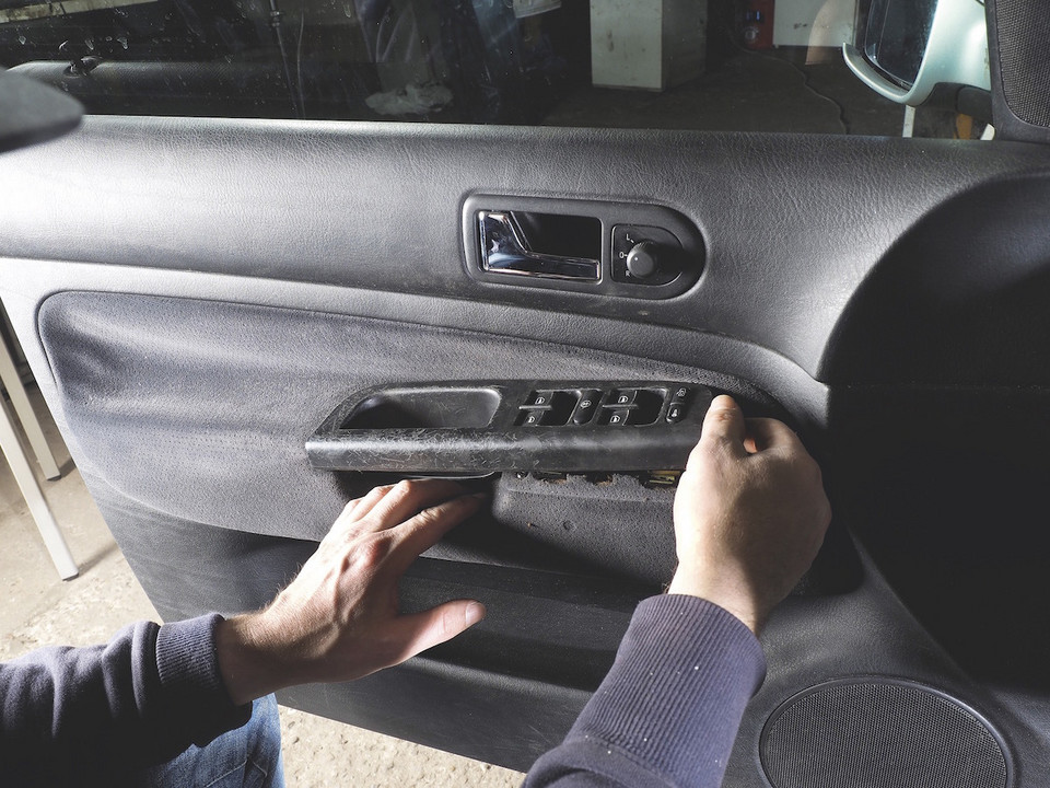 Замена стеклоподъемников в VW Golf IV