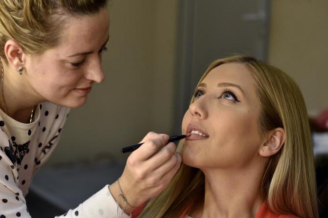 Šminkanje pred emisiju: šminka mora da bude besprekorna